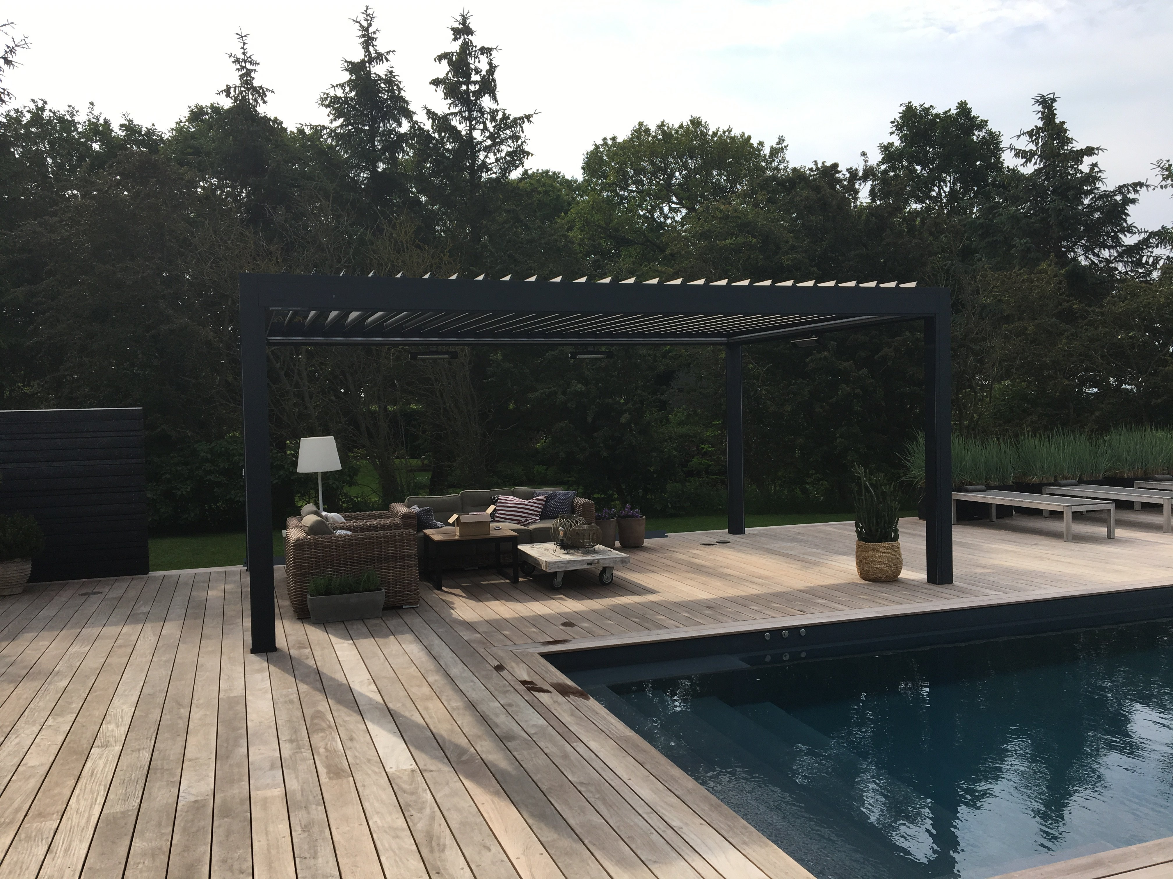 Brustor Outdoor living